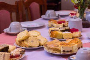 Una clásica mesa puesta para el té galés.